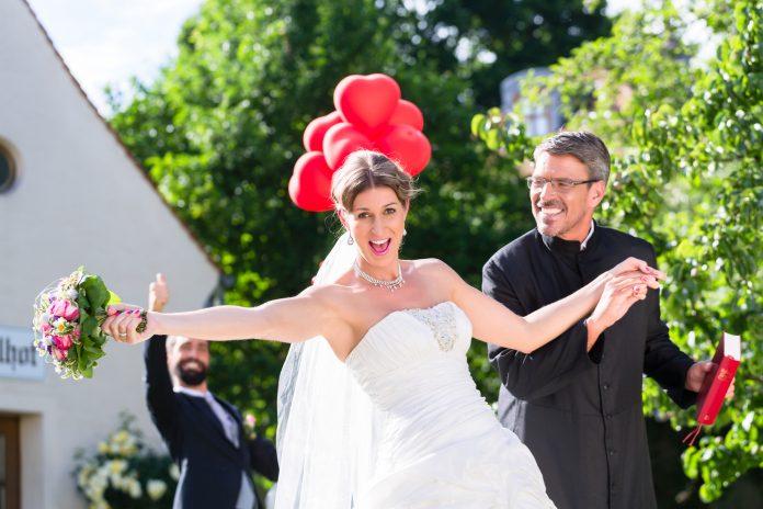pastoor huwelijk buiten
