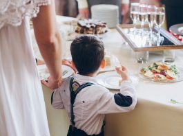 kind bruiloftsdiner