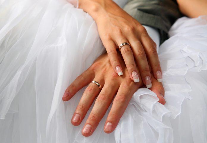trouwring man en vrouw