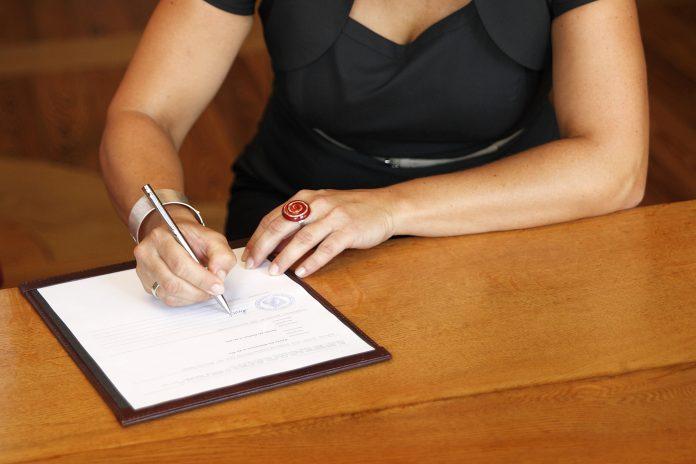 ondertekening huwelijksakte